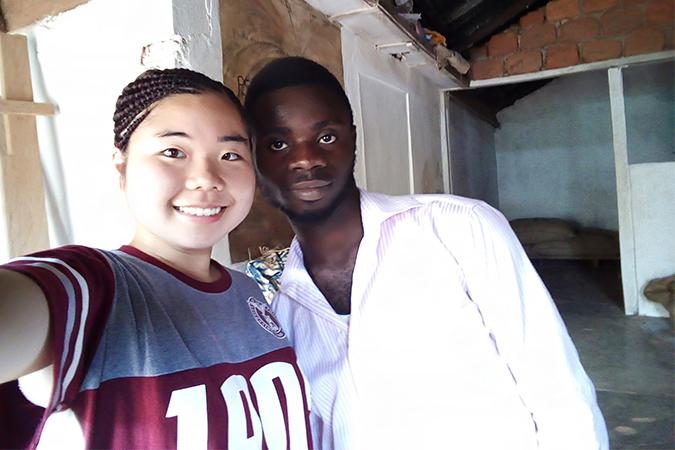衛生プロジェクトのリーダーと若松さん